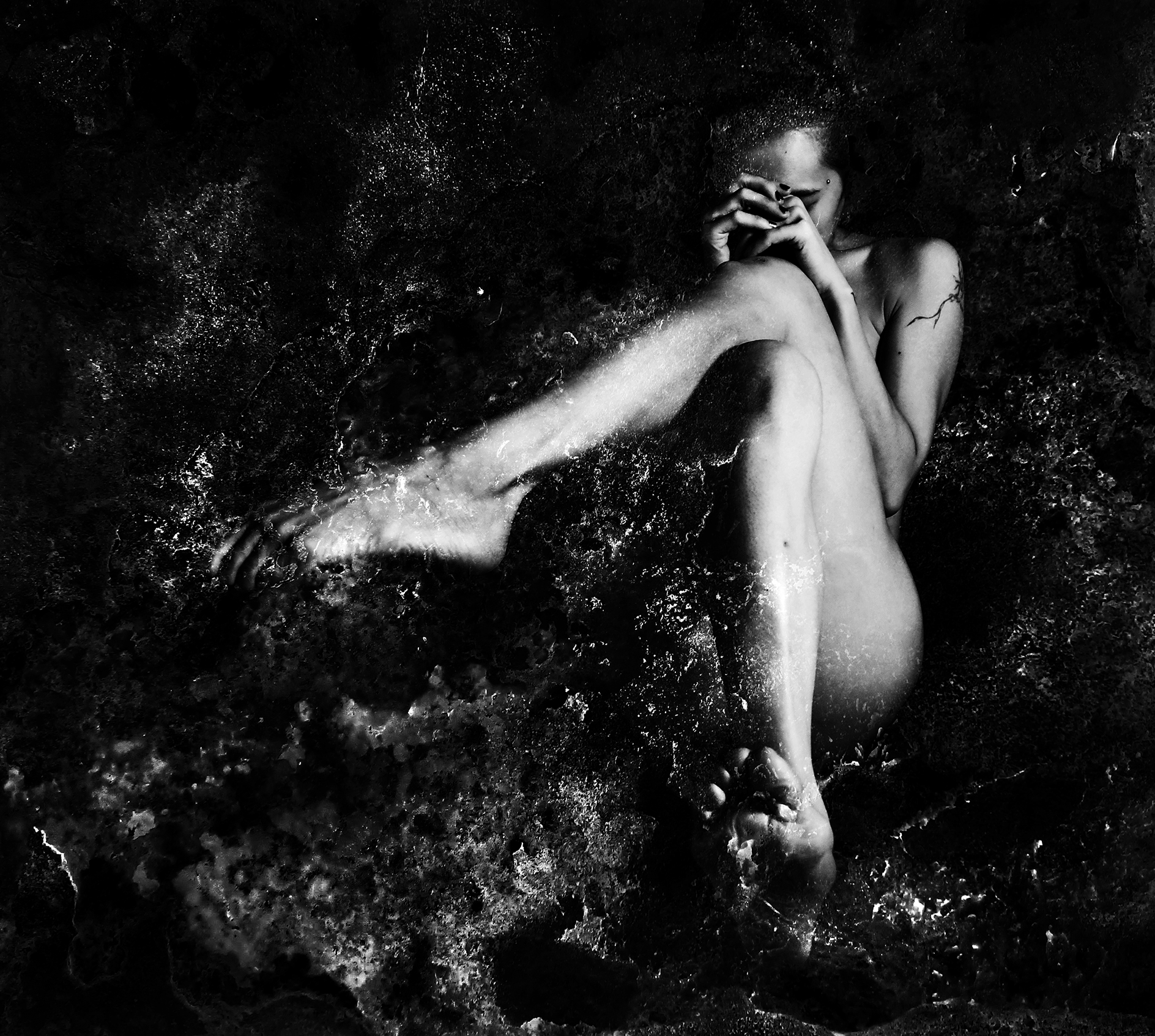 Düsterer / suelynee ho 何書伶 Artwork photographer nude art