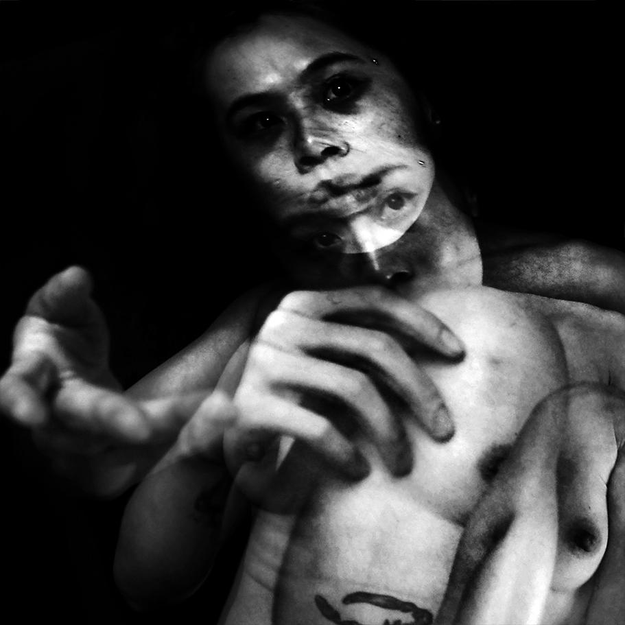 suelynee ho 何書伶 Artwork photographer nude art