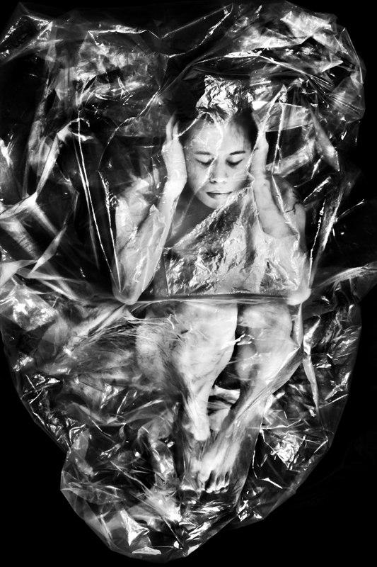 2012 / Womb Series / 60x80 cm / Photo by Suelynee 何書伶