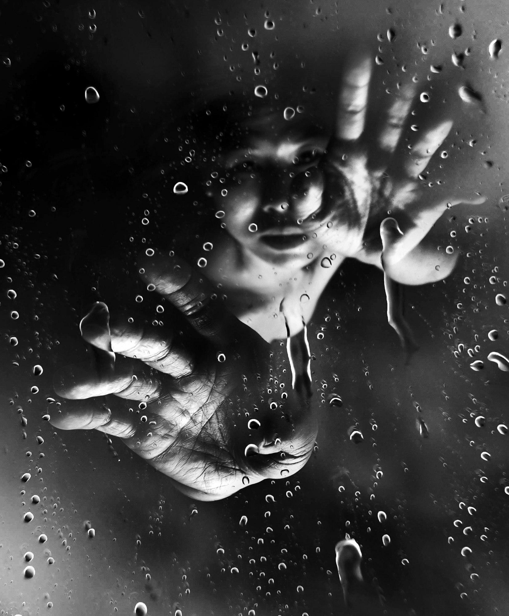 2019 / Rainy / 10x12 cm / Photo by Suelynee 何書伶