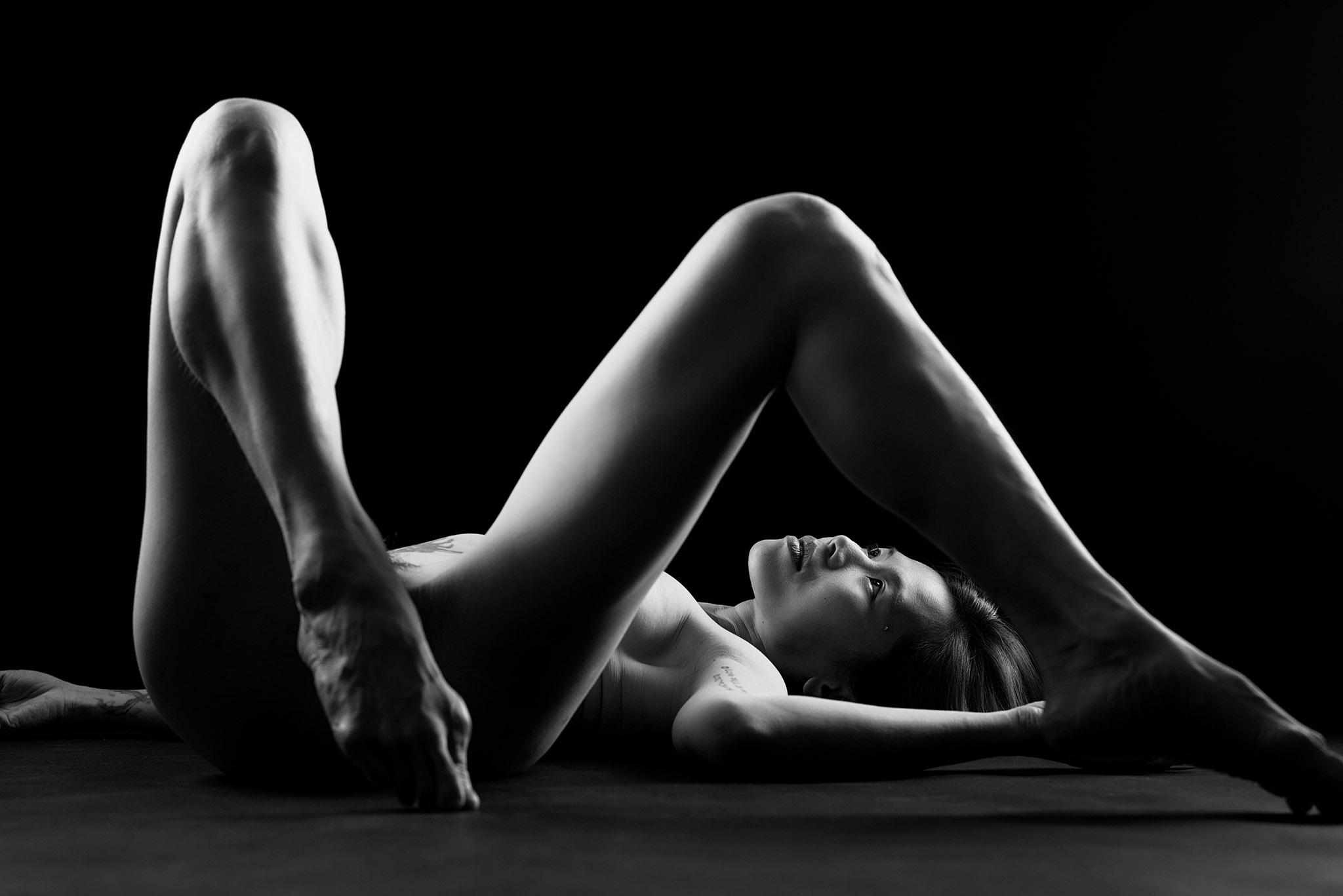 Suelynee ho's model work Photo by Darren body art